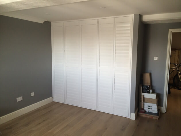 louvre doors amazon 2 x white plastic louvre air vent. Black Bedroom Furniture Sets. Home Design Ideas