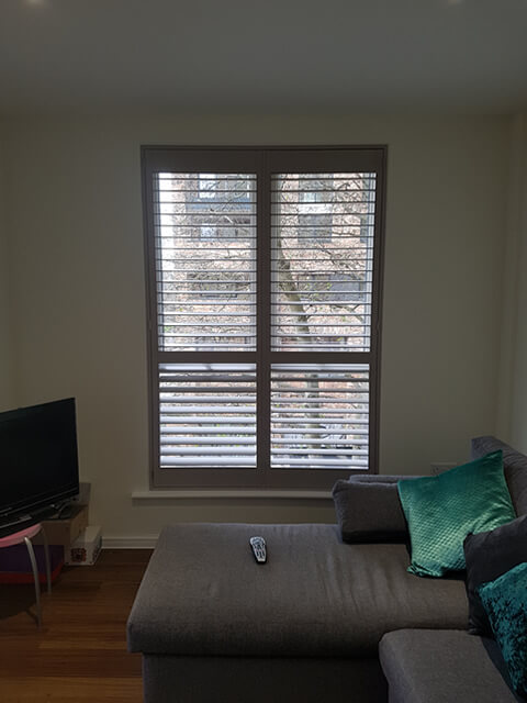 ealing flat living room shutters