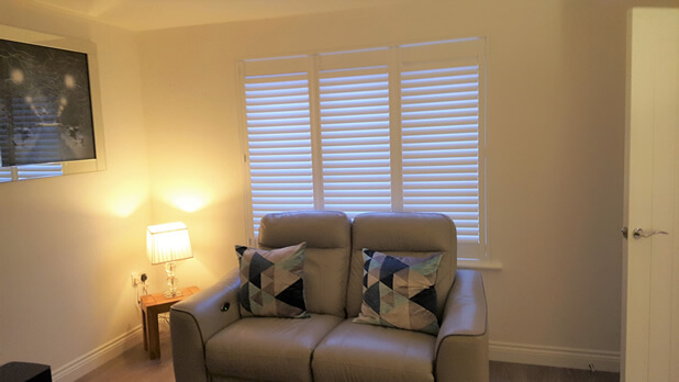 new build shutters lounge