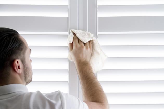 wipe shutters