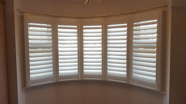 chigwell bay window