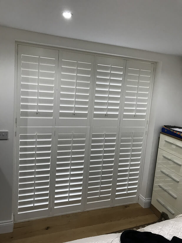 farnborough bedroom shutters closed