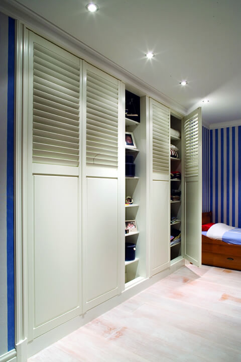 wardrobe solid shutters