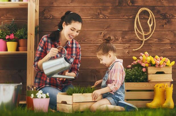 mother daughter gardening